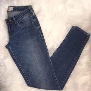 Hollister super skinny jeans sz 1R 25w x 31L